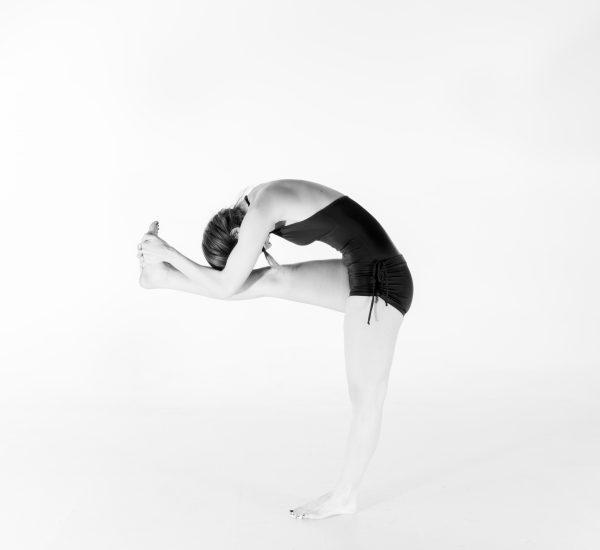 6. Debout, front au genou (part 4)